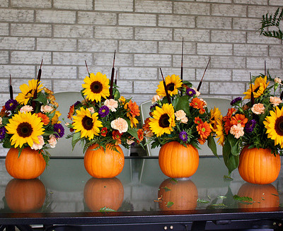 Pumpkin Flower Arrangement {Thanksgiving Centrepiece}