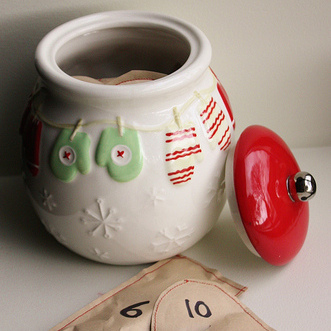 Advent Calendar Cookie Jar {Sewn Paper Pouches}