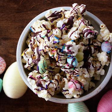 Bunny Bait {Easter Popcorn}