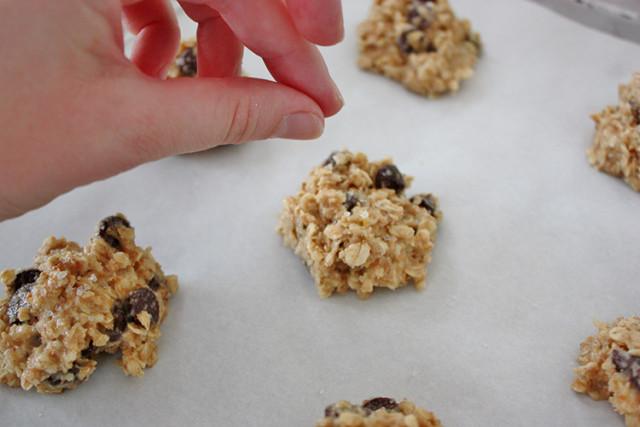 salted-chocolate-chip-oatmeal-cookies-add-salt