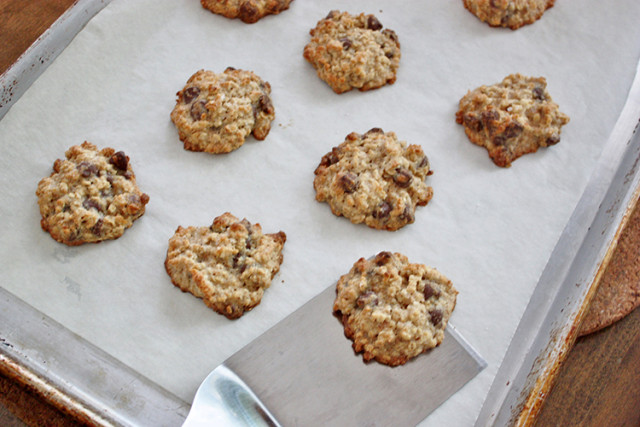 salted-chocolate-chip-oatmeal-cookies-baking-tray
