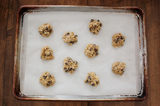 salted-chocolate-chip-oatmeal-cookies-dough-balls