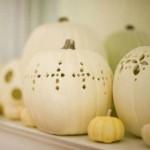 decorating-white-pumpkins