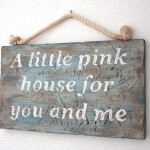 little-pink-house-beach-sign