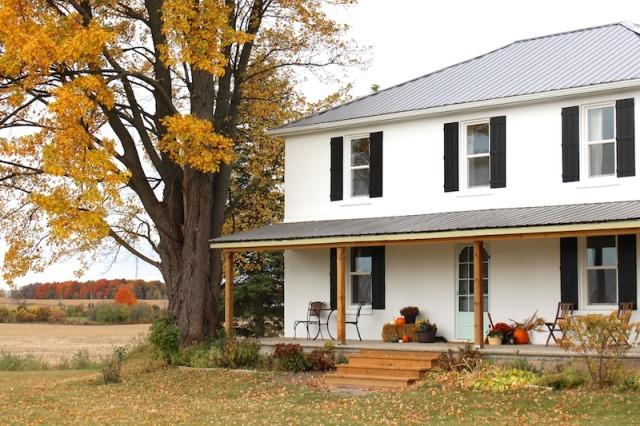 cloverhill-autumn-front-porch