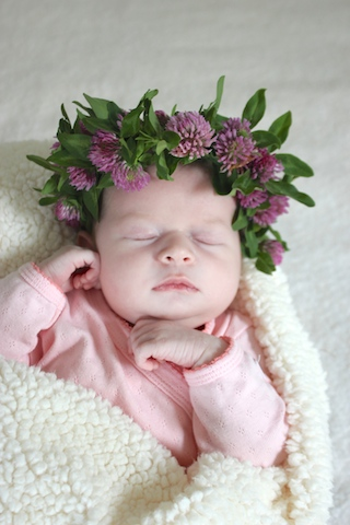 lucy-birth-announcement-flower-crown