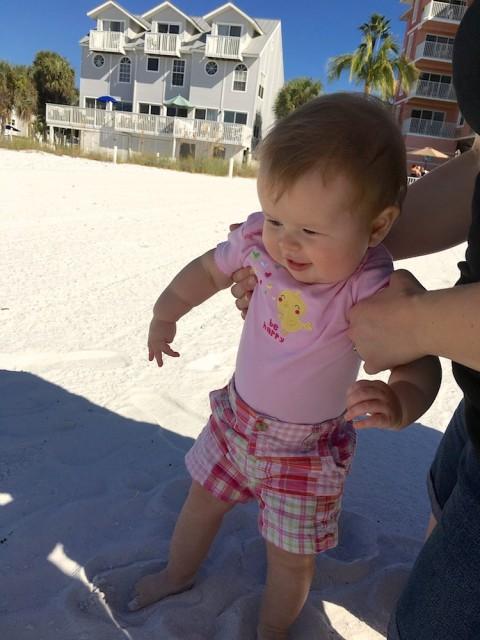 baby-visit-beach