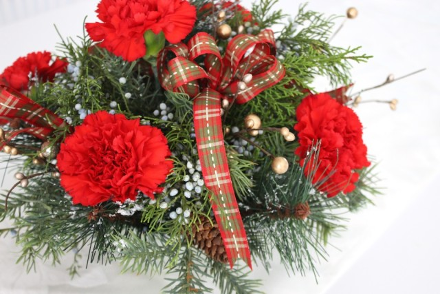 red-carnation-christmas-arrangement-closeup