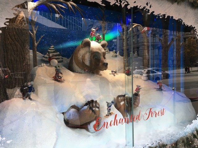 hudson-bay-christmas-window-2016