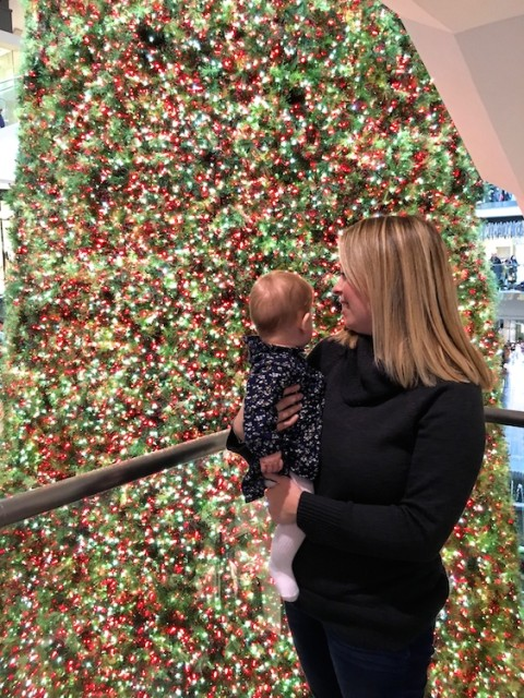 mom-baby-eatons-centre-christmas-tree