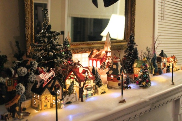 mom-christmas-village