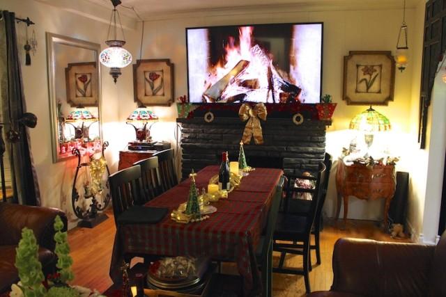 tv-fireplace-christmas-dinner