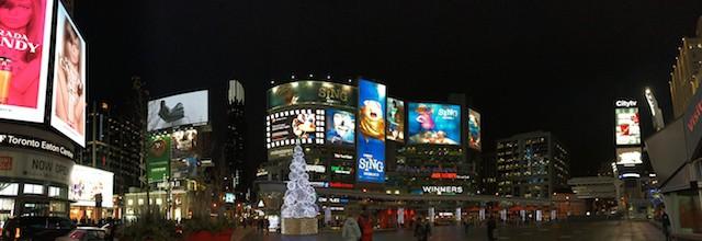 yonge-dundas-square-christmas-2016
