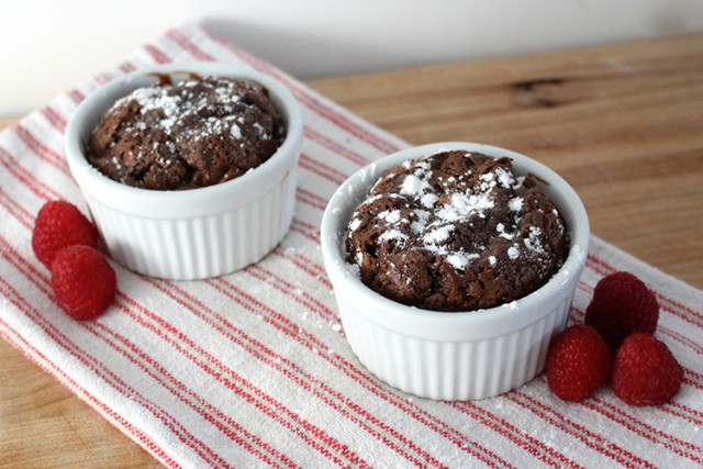 mini-chocolate-brownie-souffles