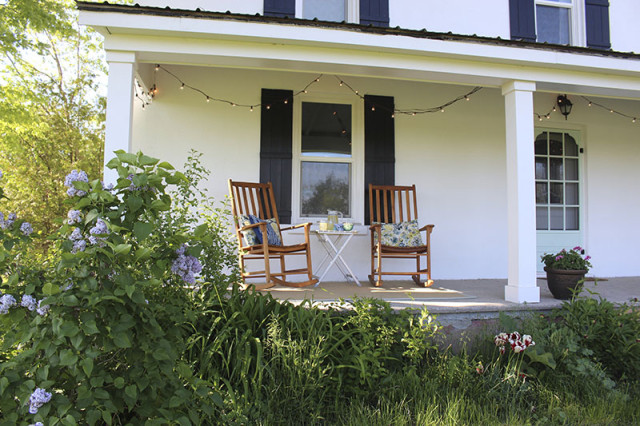 front-porch-rocking-chairs