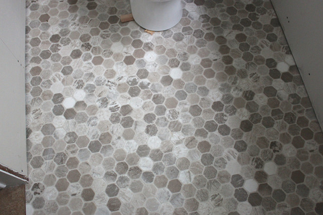 powder-room-vinyl-floor