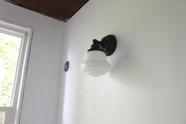powder-room-wall-sconce-example