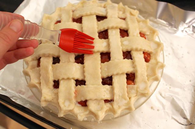 brush-milk-pie-crust