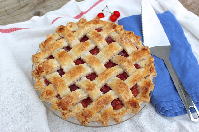 classic-sour-cherry-pie2