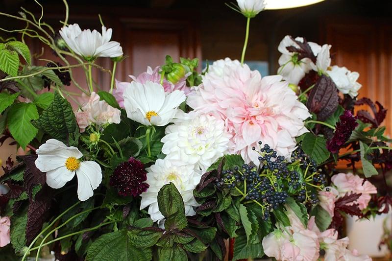 ascfg-flower-towne-arrangement