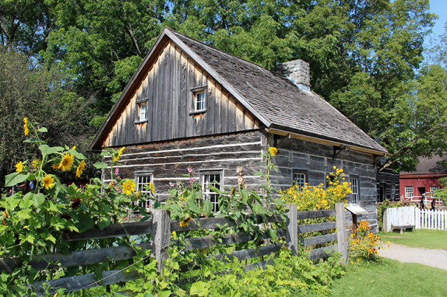 SRT2017-uppercanadavillage-logcabin