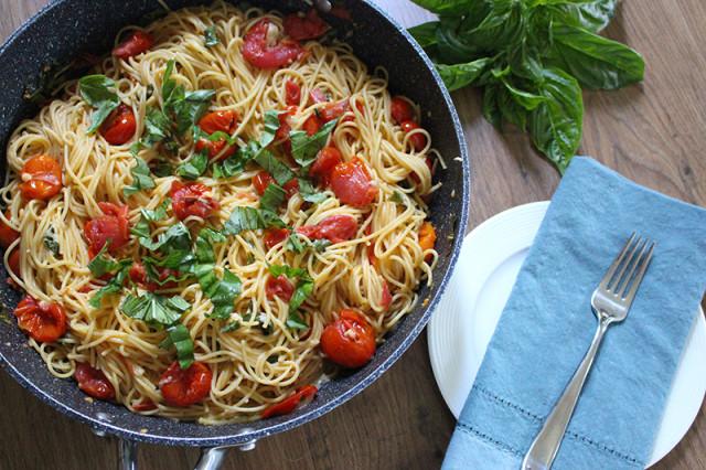 easy-cherry-tomato-pasta-dinner