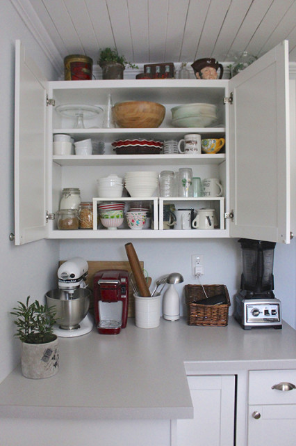 cloverhill-farmhouse-new-cupboards-organized