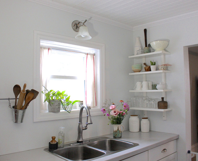 cloverhill-white-farmhouse-kitchen