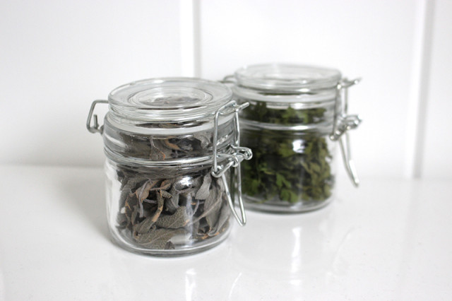 glass-spice-jars