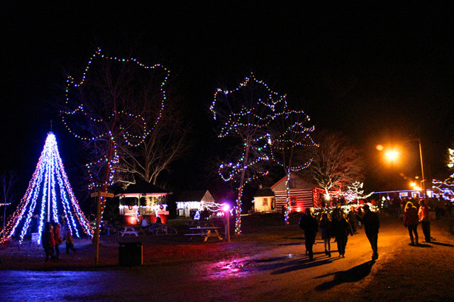 christmas-lights-village