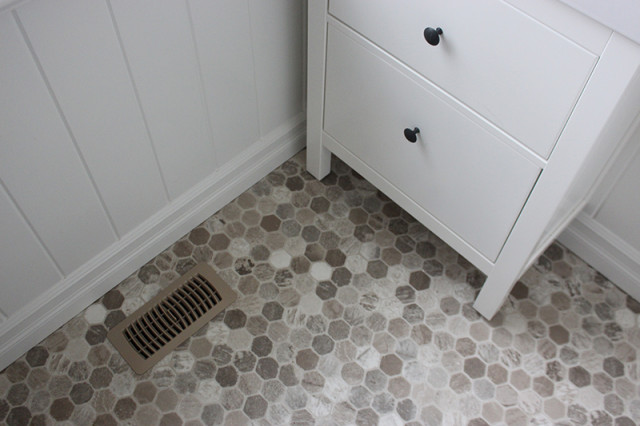 farmhouse-powder-room-vinyl-floor