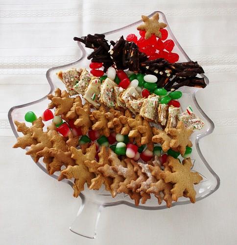 gingerbread-cookies-platter