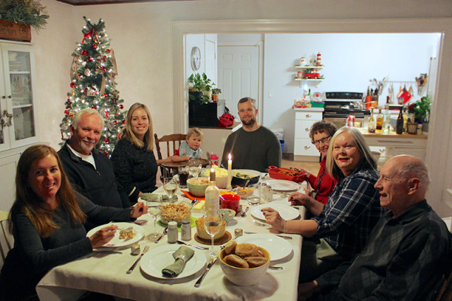 family-christmas-2017-farmhouse-dinner