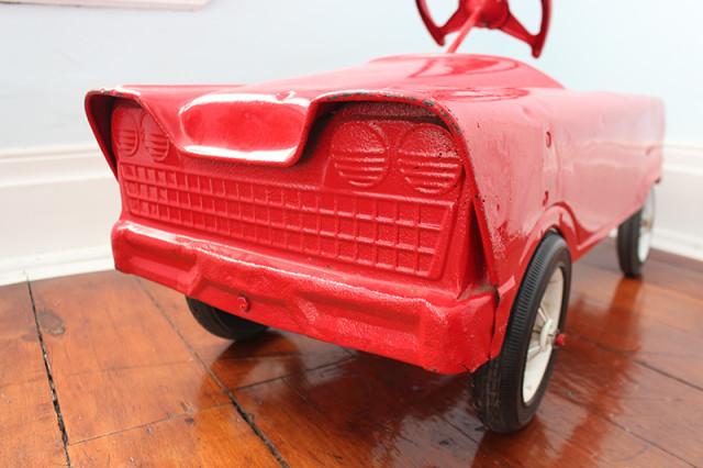 retro-pedal-car-front-1960s-murra-flat-face