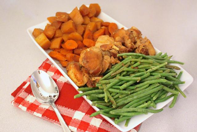 slow-cooker-honey-garlic-chicken-vegetables-6