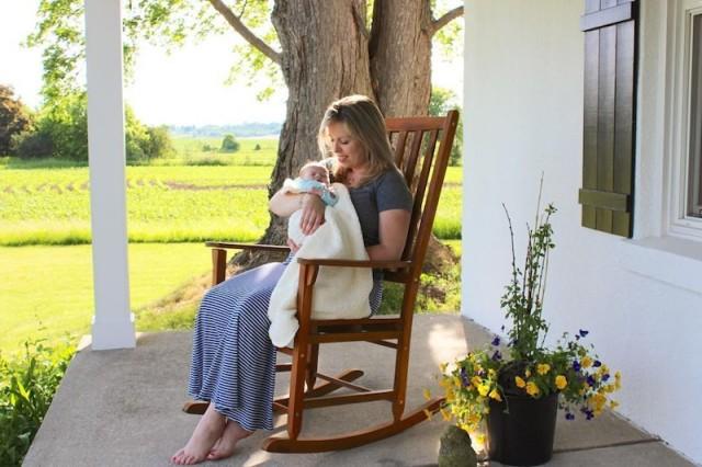 lucy-amanda-front-porch