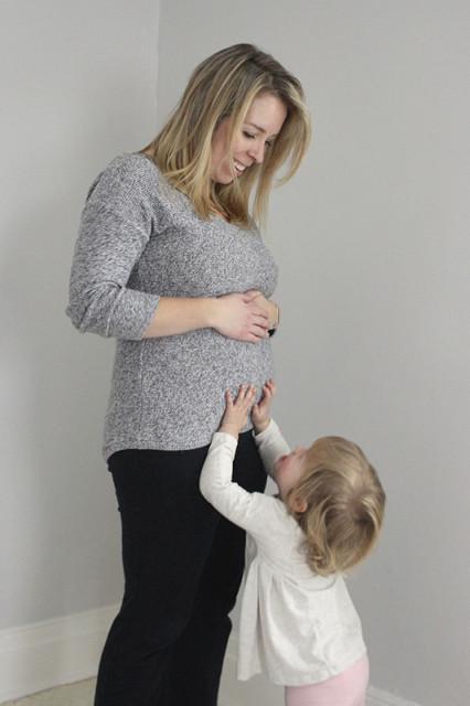 mama-pregnant-toddler