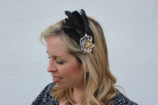 black-feather-fascinator