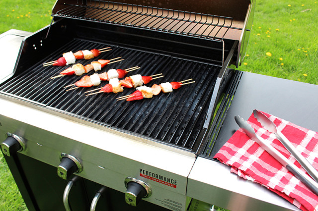 grilling-strawberry-shortcake-kebabs