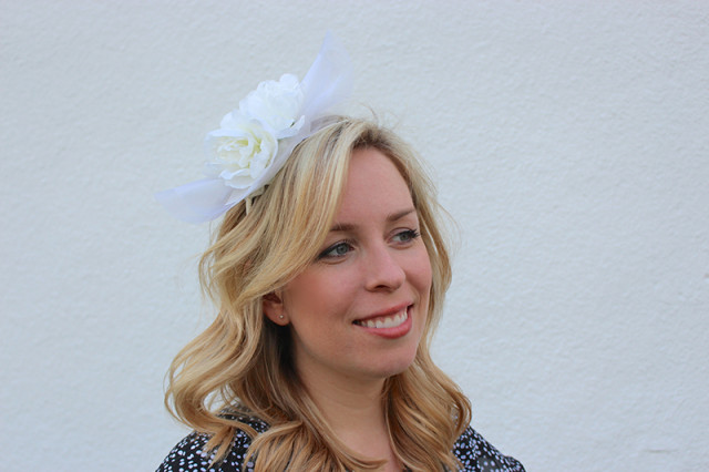 white-peony-tulle-fascinator