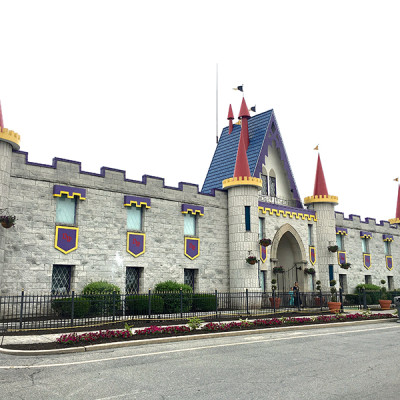 A Visit to Dutch Wonderland {Our Pennsylvania Road Trip}
