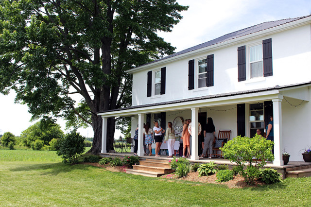 farmhouse-bridal-shower-front-porch
