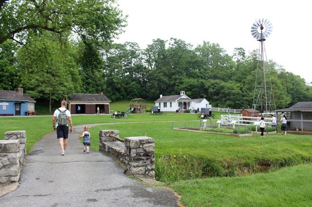 the-amish-village-lancaster-2