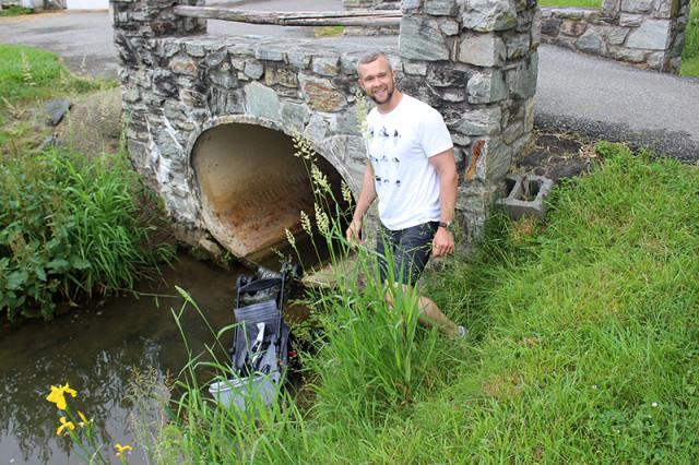 the-amish-village-lancaster-stroller-creek