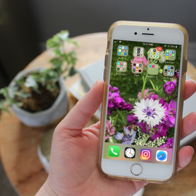 How to Declutter Your Phone and Keep it Organized